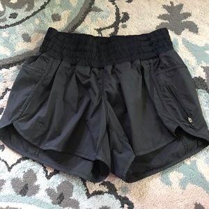 Lululemon tracker shorts 🍋